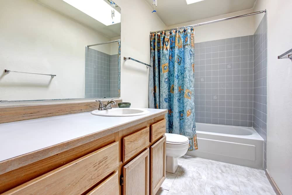 10 Genius Cleaning Tricks For Your Bathroom