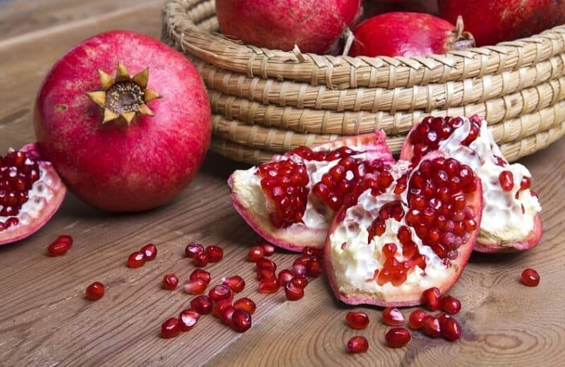 Natural Glowing Skin-Pomegranate